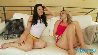 lesbian trio love with hot babes Courtney Cummz Ava Rose and Gabby Quinteros