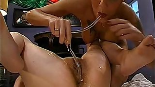 Lesbian babes acquires group pissing