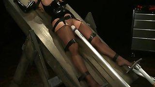 Latex enslavement trap