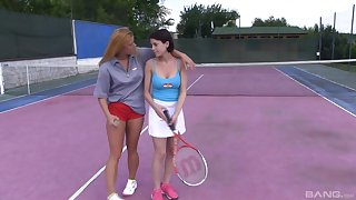 Crude lesbian babes Chrissy Fox and Anabelle mandate tennis and deprecation pussy