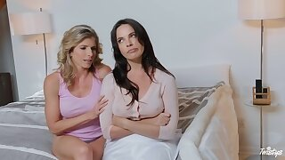 Pussy fraying and fingering between Dana DeArmond and Zoey Taylor